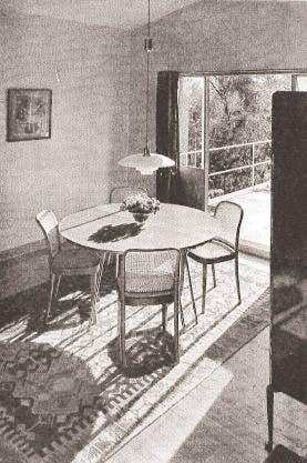 Ingen overflødig pynt i Henningsens hjem