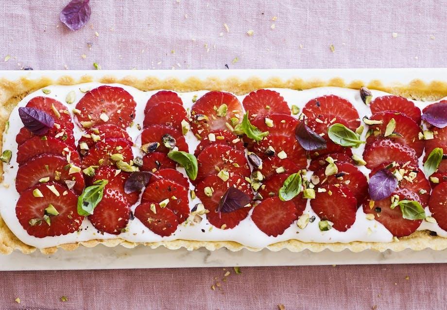 jordbær tærte med karamel og guf