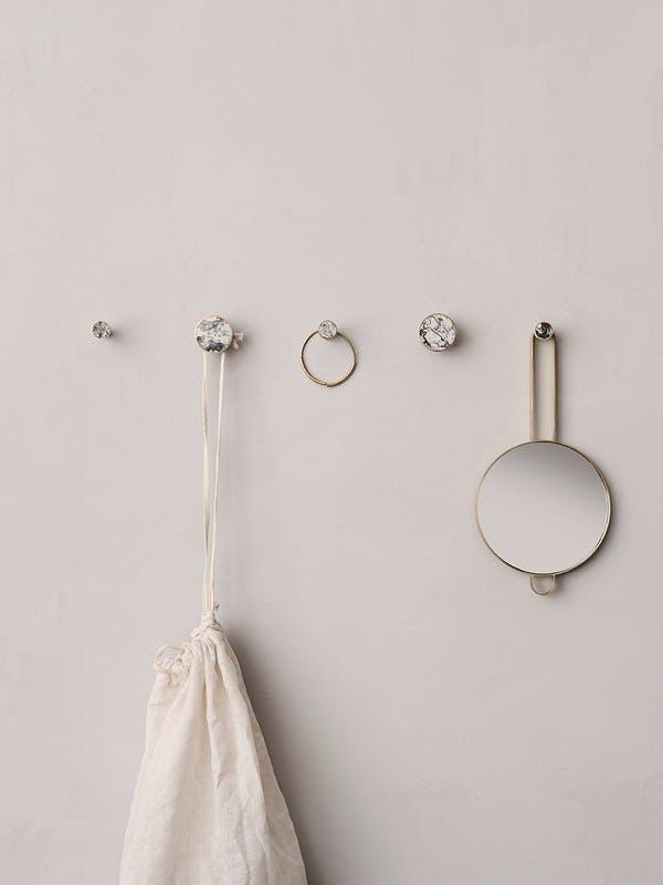 Ferm Living marmor kroge opbevaring badeværelse