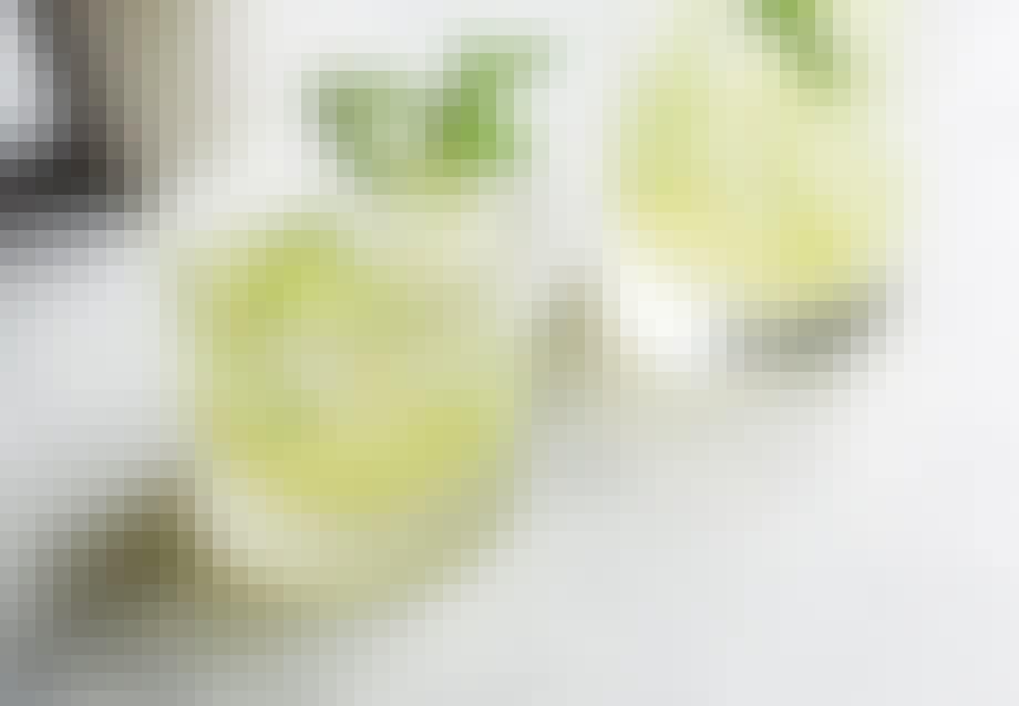 cucumber collins opskrift drink nem