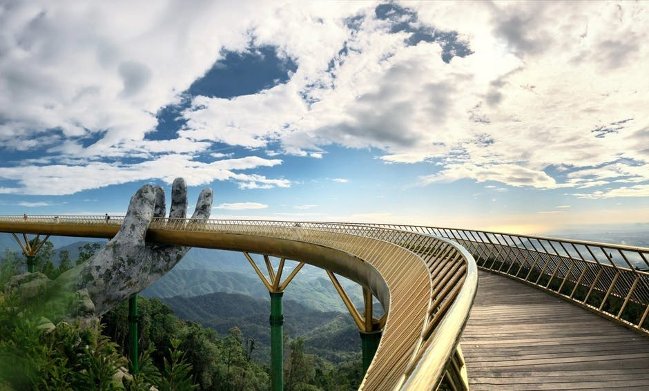 cau vang bro arkitektur den gyldne bro vietnam