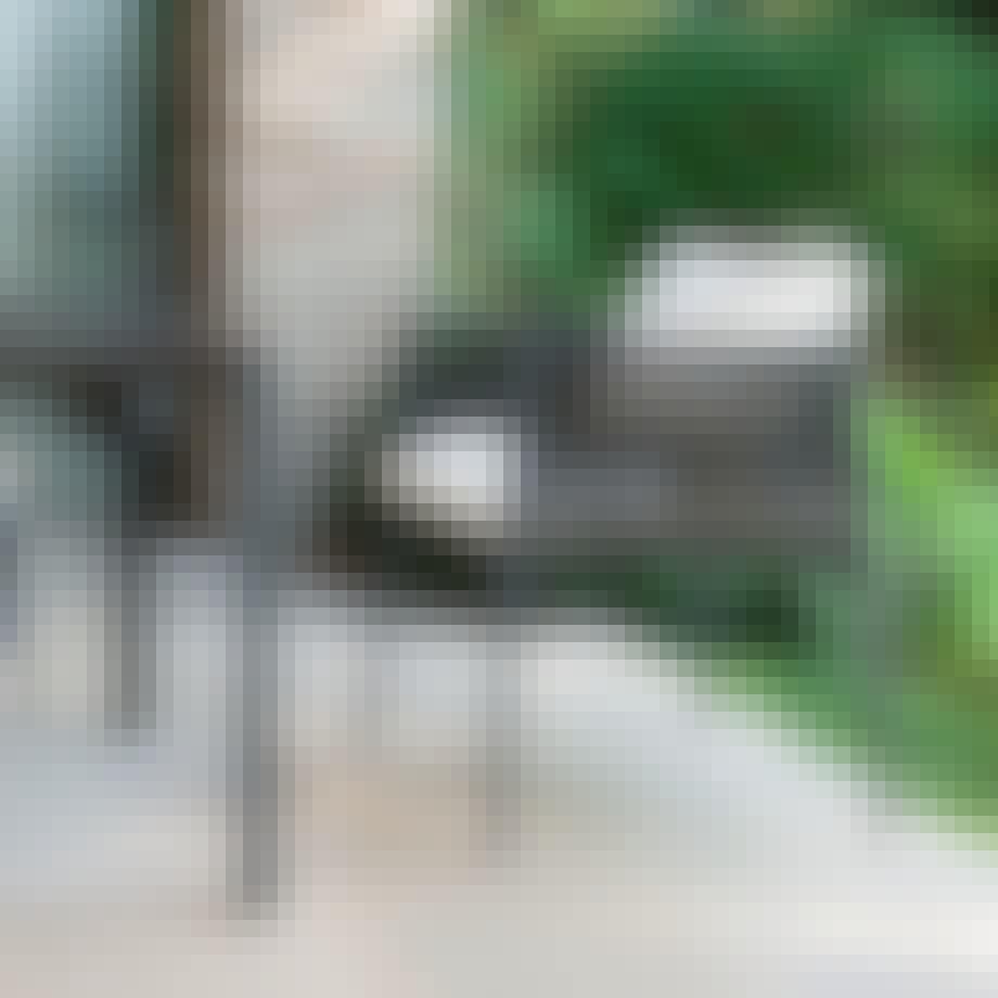 Smuk lænestol som egner sig til både indendørs og udendørs brug