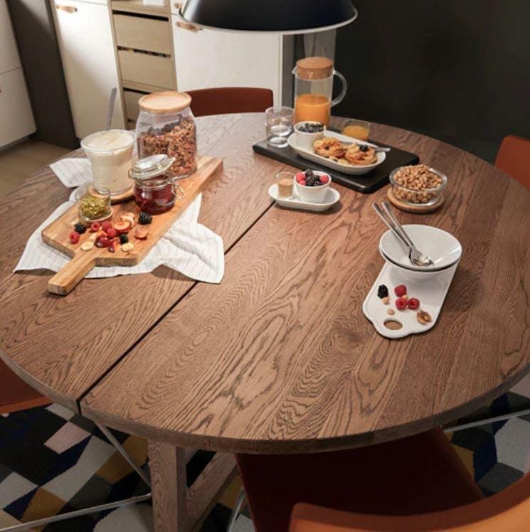 Ikea rundt brunt spisebord