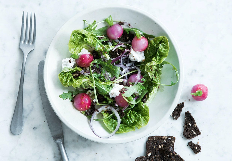 pocherede radiser salat rucola gedeost opskrift