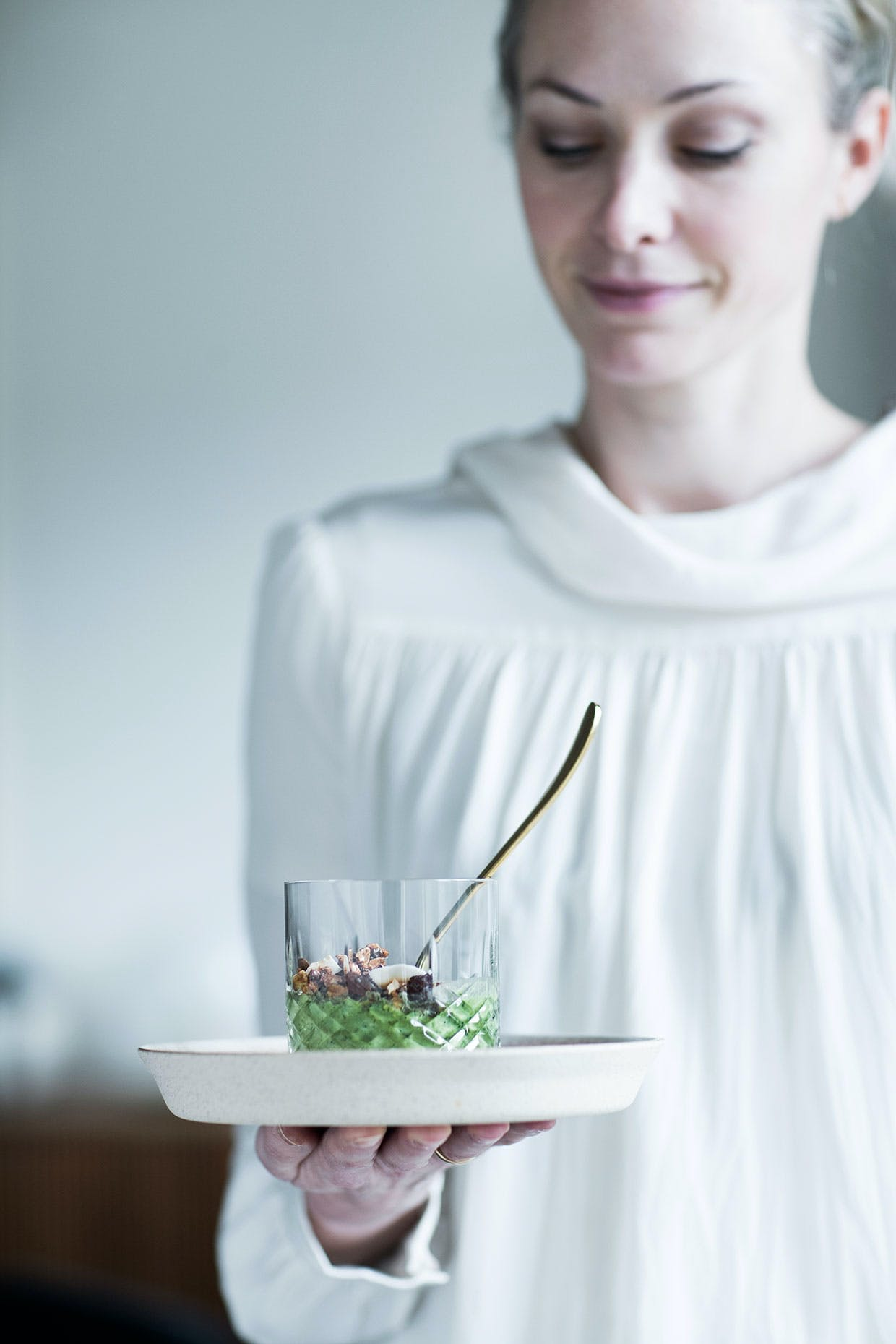 smoothie bowl opskrift hjemmelavet granola