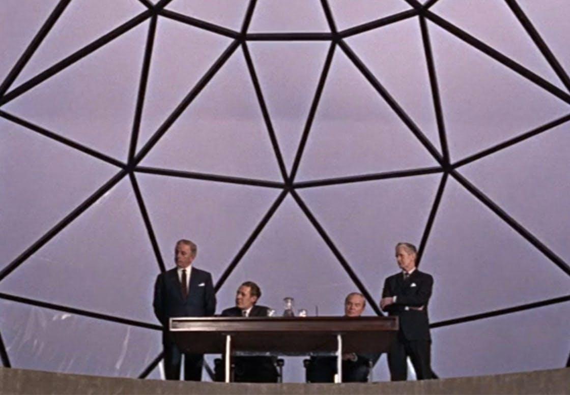"Bodil Kjærs arbejdsbord ""BK"" i James Bond-filmen ""You Only Live Twice"" fra 1967."