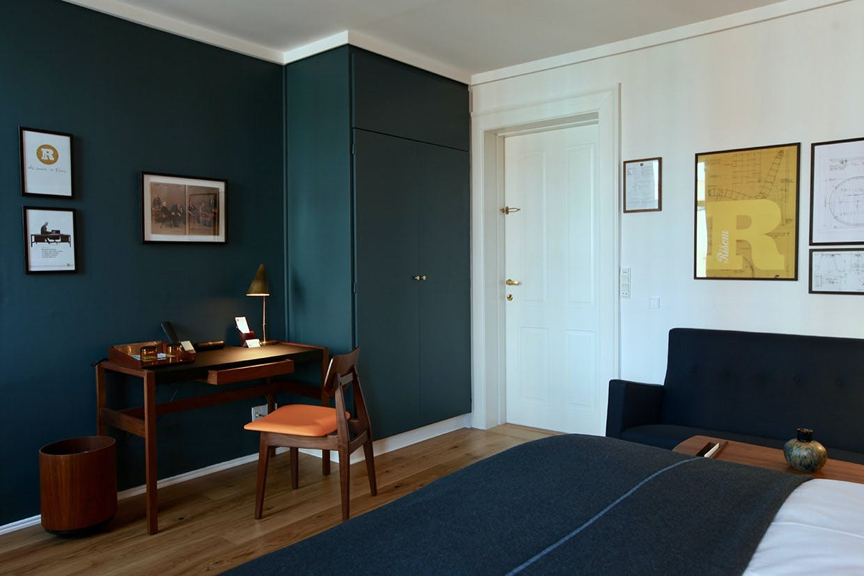 Jens Risom-deluxe room hos Hotel Alexandra i København.