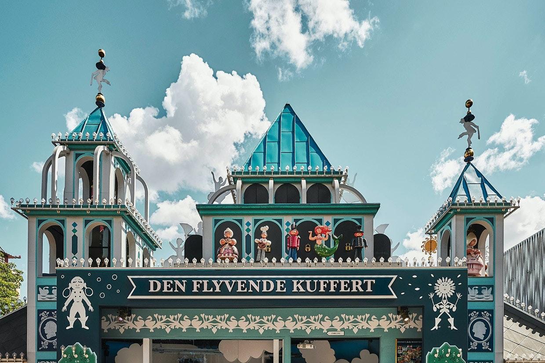 Tivoli forlystelse Den Flyvende Kuffert H.C. Andersen