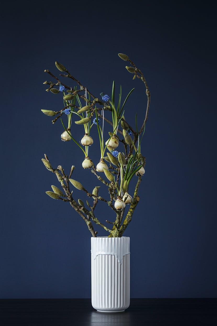 blomsterdekoration blomsterbuket af blomsterdesigner annette von einem med perlehyacinter og magnolia