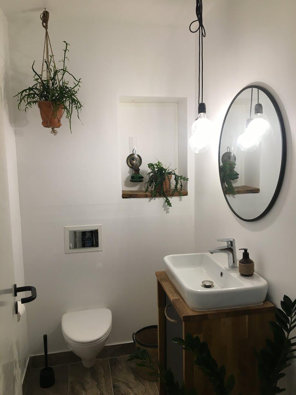 Nybyggerne badeværelse toilet Mike & Thomas