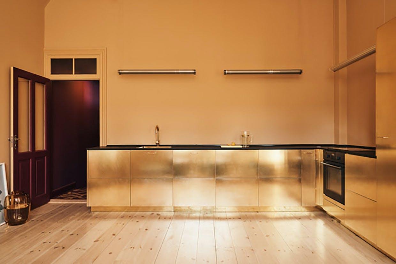 Stine Goya Reform messing guld guldkøkken showroom hovedkontor