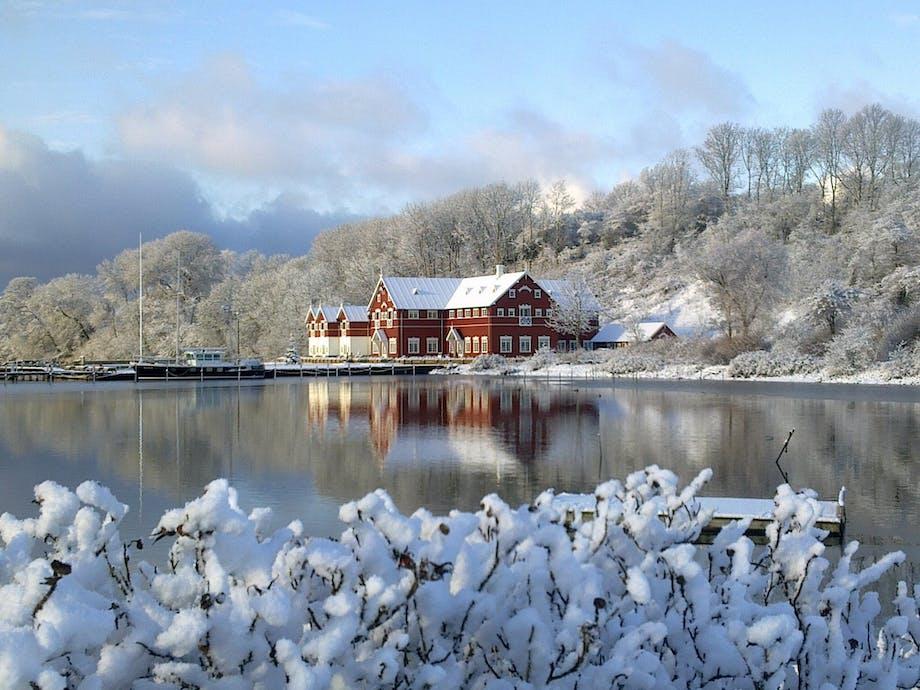 Badehotel hotel hoteller weekendophold vinterbadning vinterbader Nordborg Dyvig Badehotel Danmark danske vand hav kyster