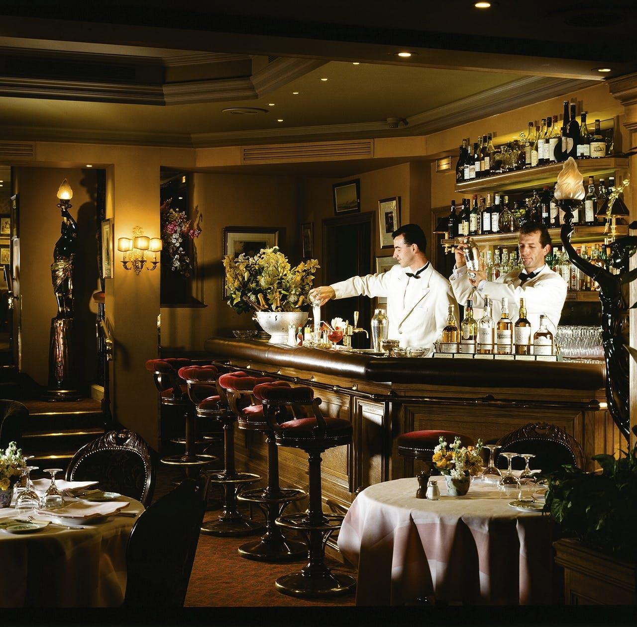 hotel ritz auktion bar hemmingway paris
