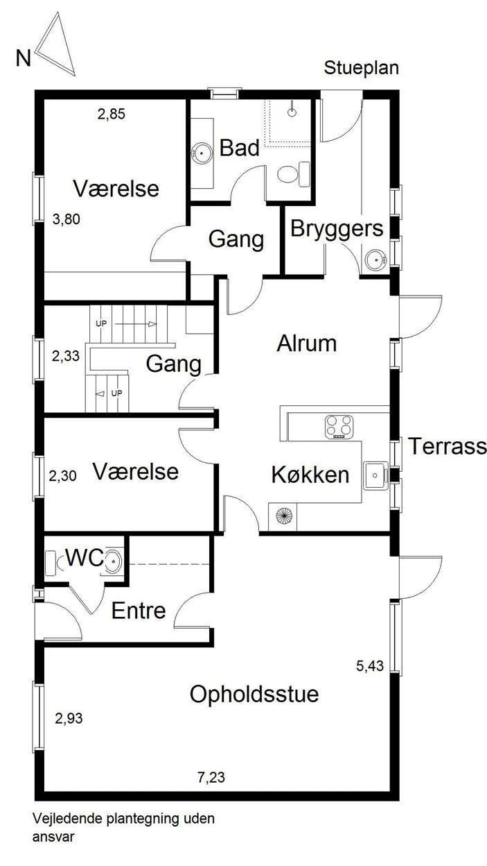 Plantegning af Nanna og Lasses hus – før Lone Barslunds løsningsforslag.