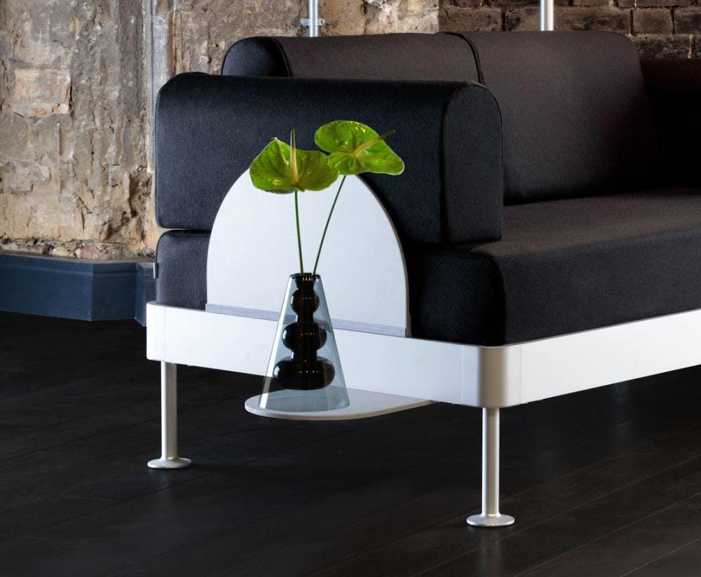 Dette sidebord kan købes i Tom Dixons webshop.