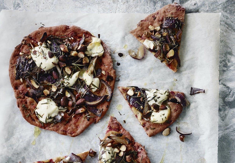 pizza opskrift pizza med rødbede hjemmelavet pizza