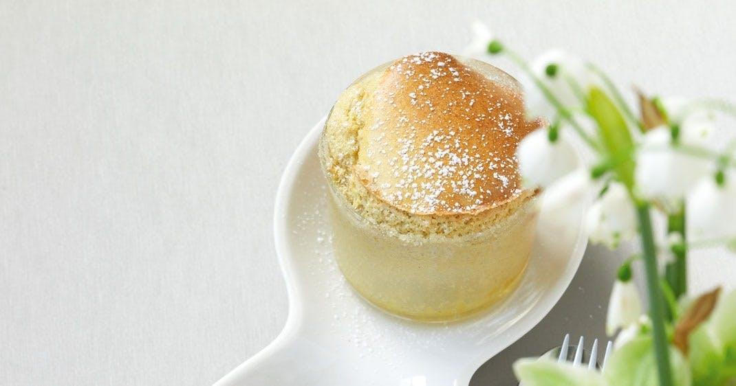 nytårsdessert Mandarin og kanel-soufflé med granatæblemarengs