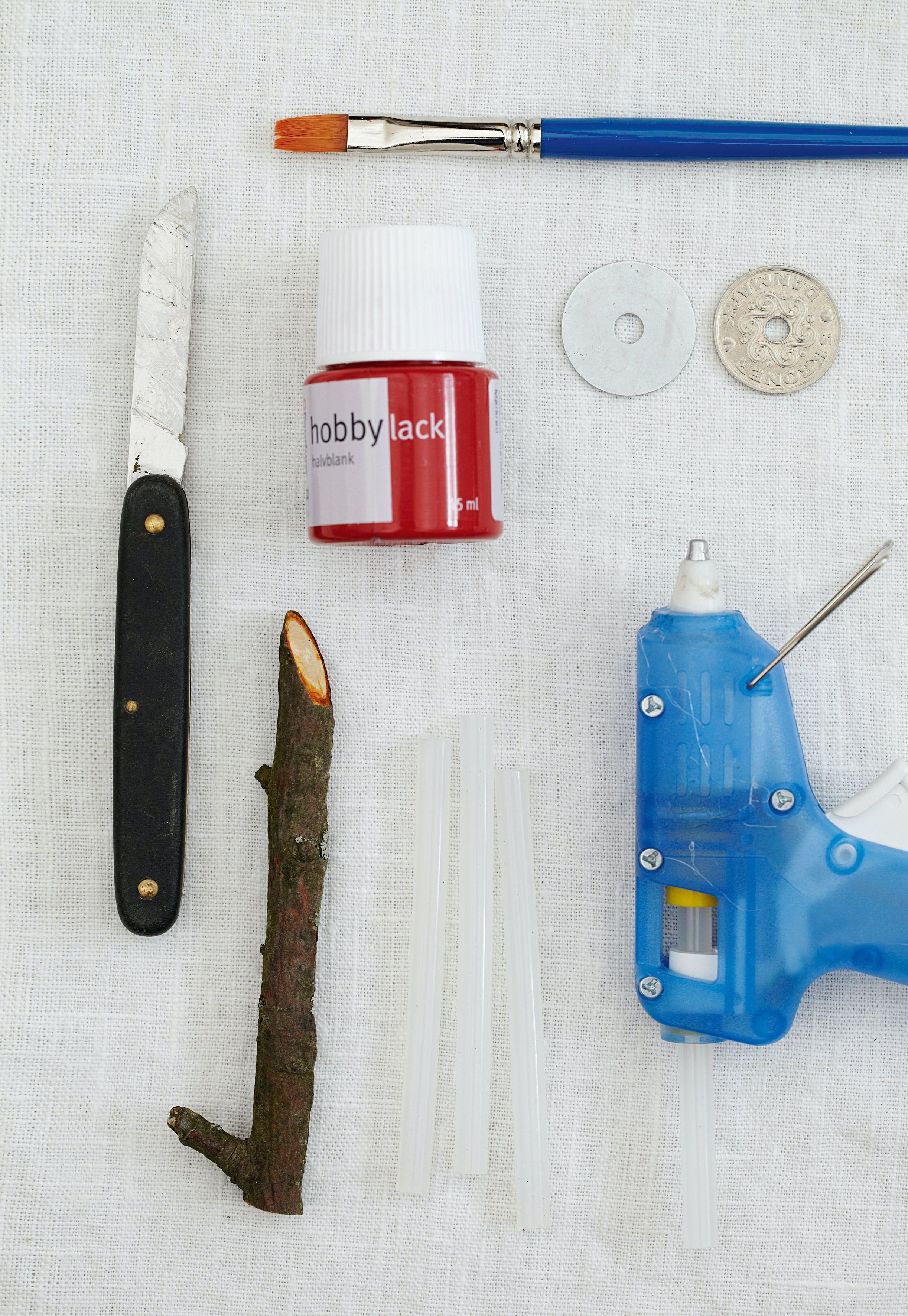 jule jul DIY gør det selv snit nisser pynt lim træ grene maling