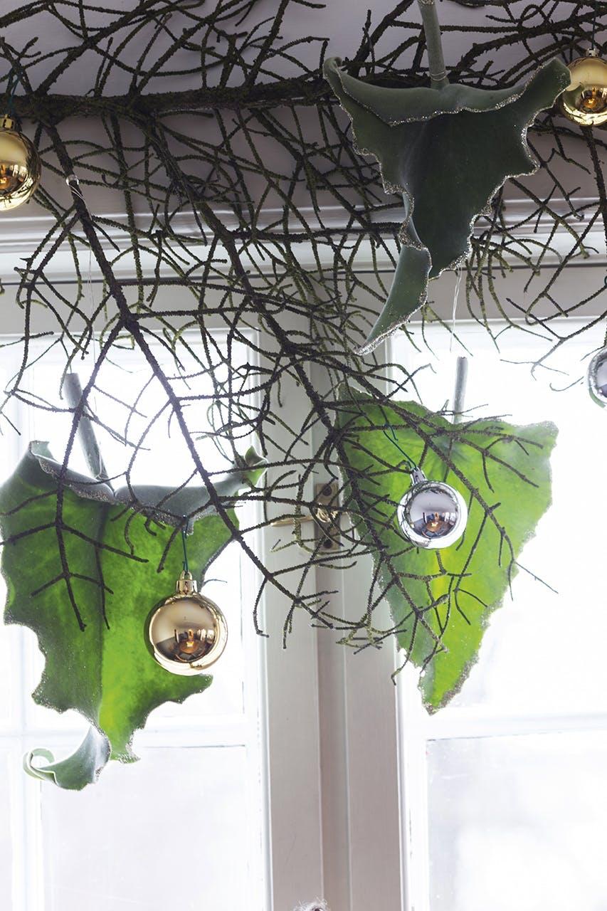 annette von einem jul dekoration julepynt blad hængt op