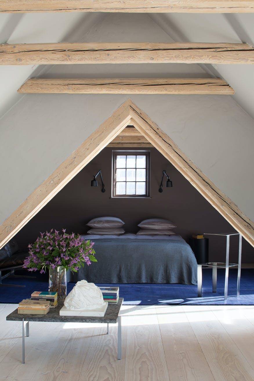 Vipp hotel small living seng soveværelse Poul Kjærholm