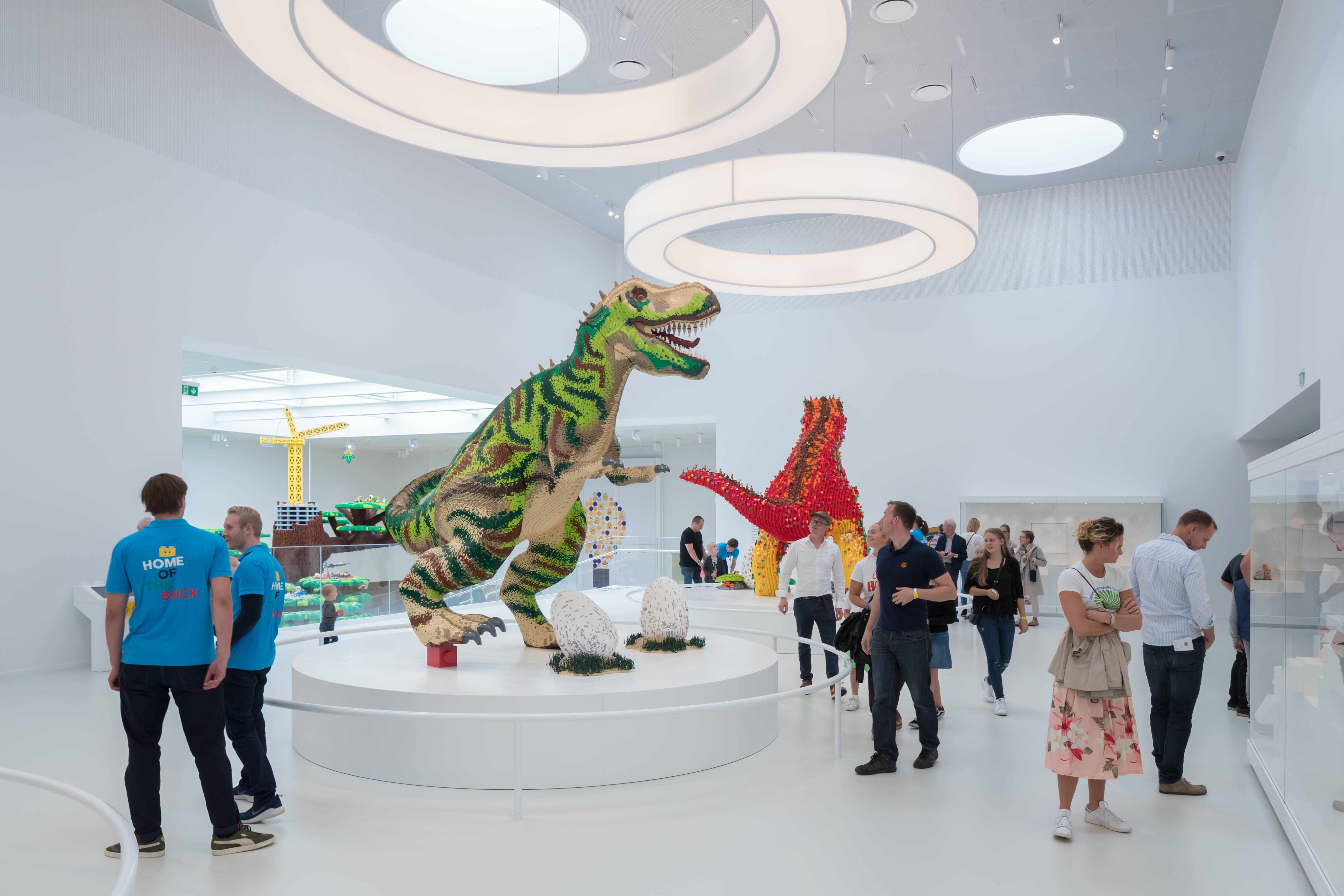 Lego house billund åbning arkitekt skultur