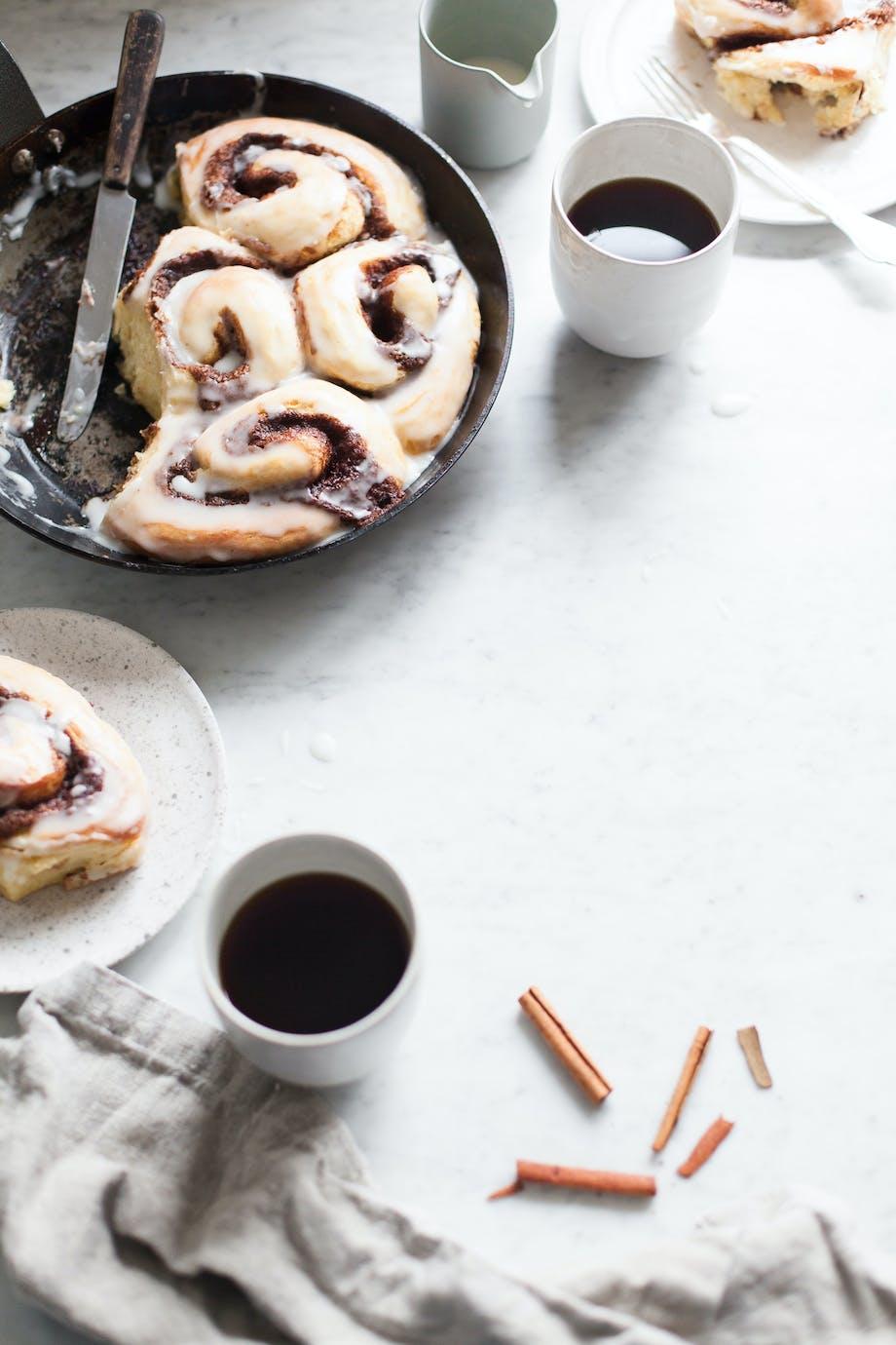 Blueberry Tales kanelsnegle whisky kanel efterår kaffe kage