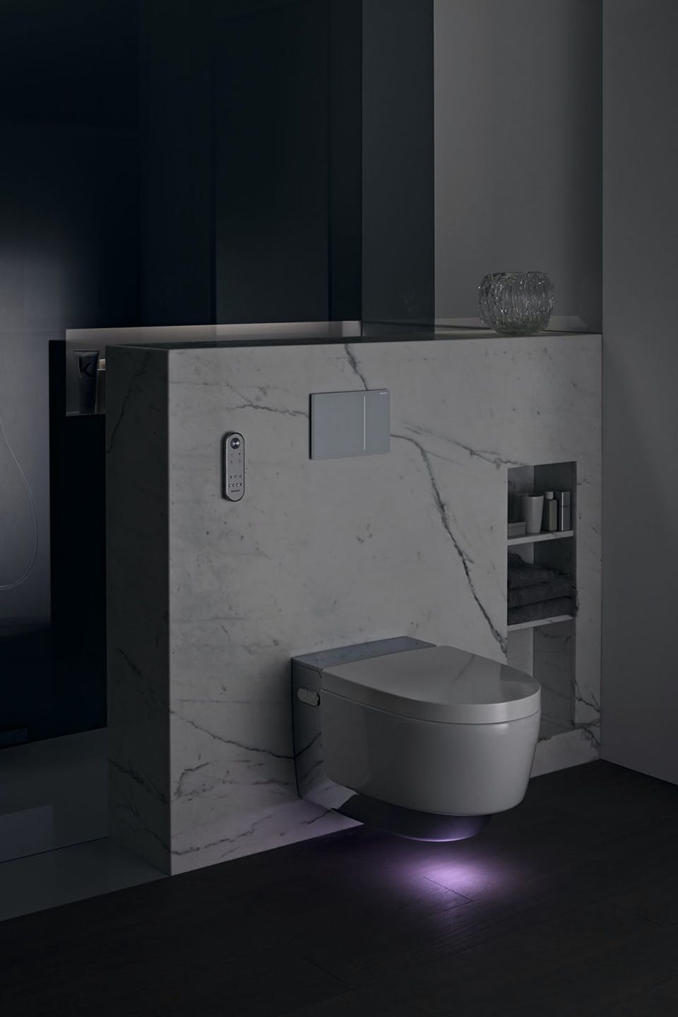 lys badeværelse nat geberit toilet aquaclean mera viser vej i mørket