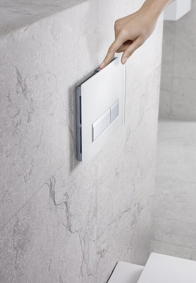 Geberit Omega remote skylleknap toilet badeværelse