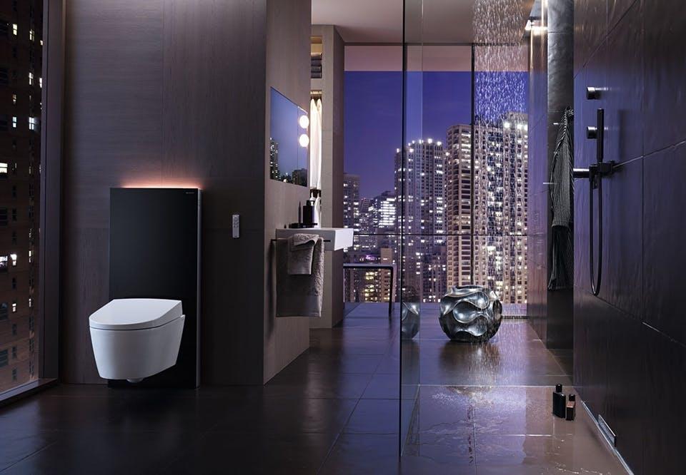 indret lækkert badeværelse lyst kurbad spa geberit