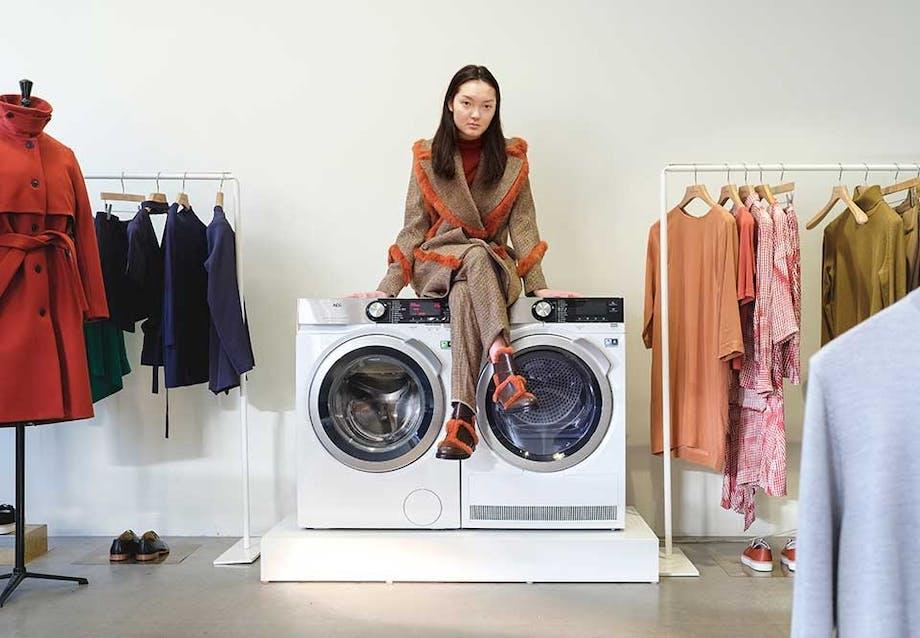 AEG 8000 serien vasker og tørrer selv de mest sarte materialer, så du kan få glæde af dem i lang tid