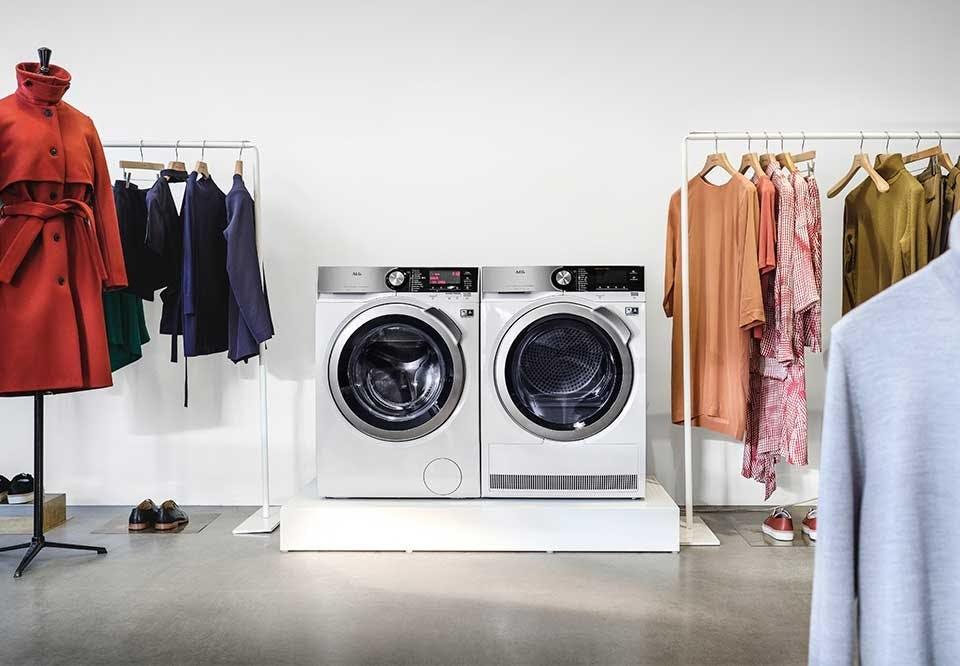 AEG Serie 8000 gør det nemt og sikkert at vaske og tørre de sarte materialer