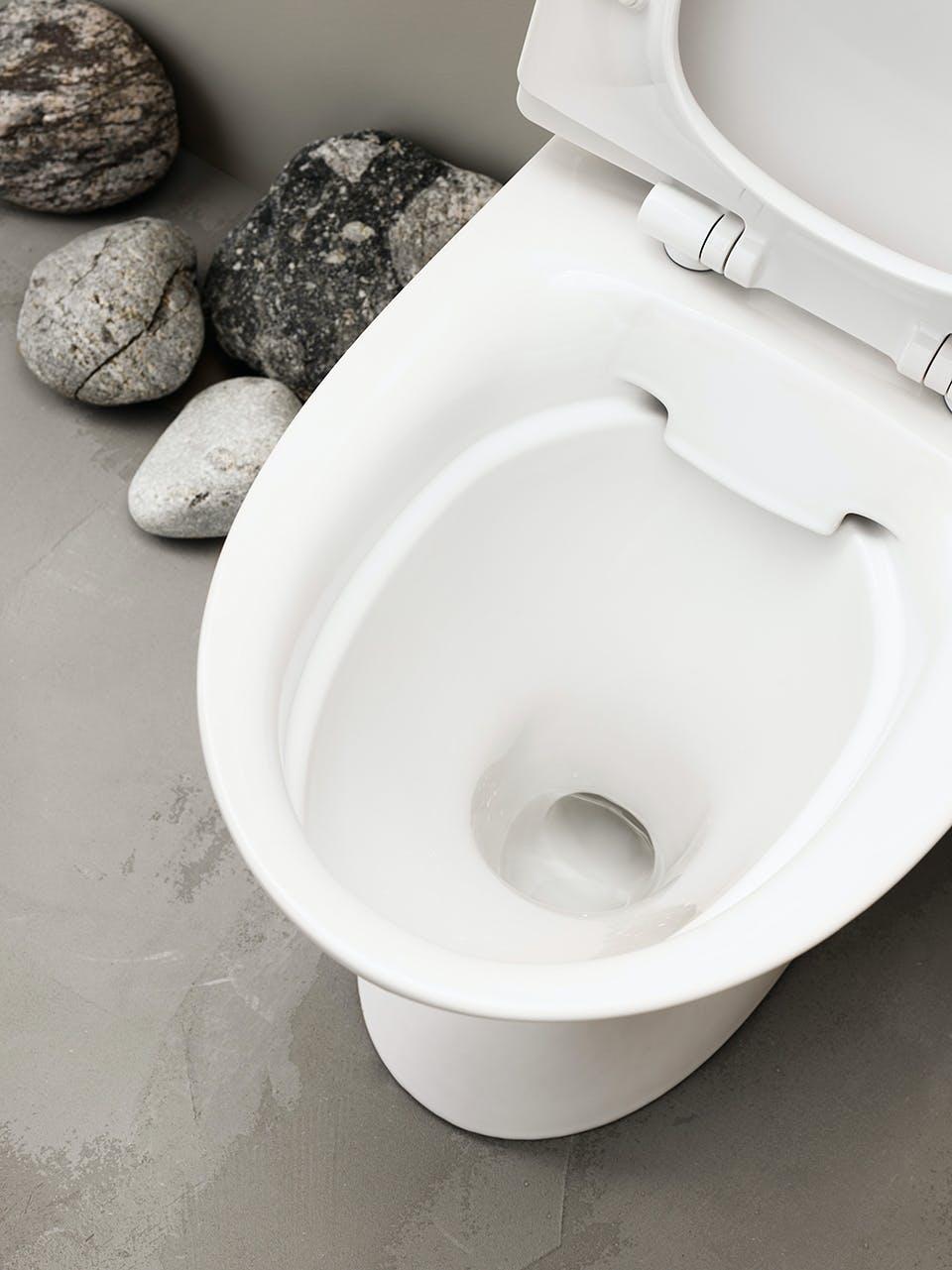 Rengøringsvenligt toilet uden skyllekant i rimfree design fra skandinaviske Ifö