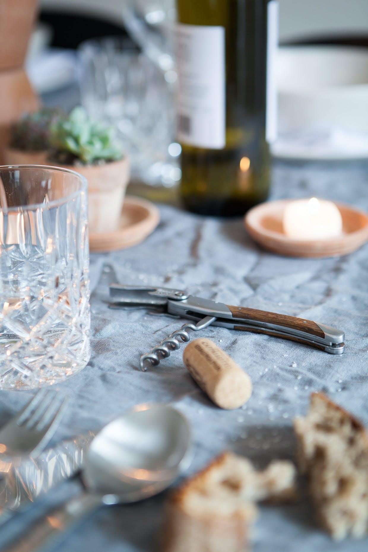 Dæk dit middagsbord med en krøllet hørdug