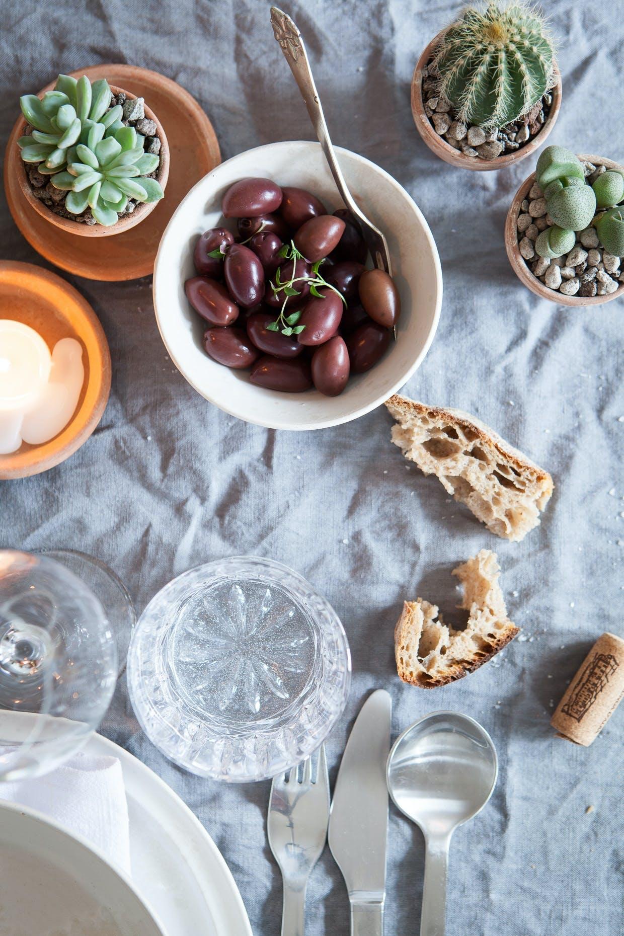 Stil sukkulenter og kaktusser på middagsbordet