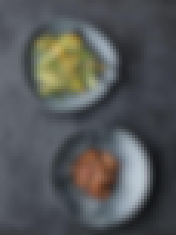 Appelsinsalat med avokado og mandler
