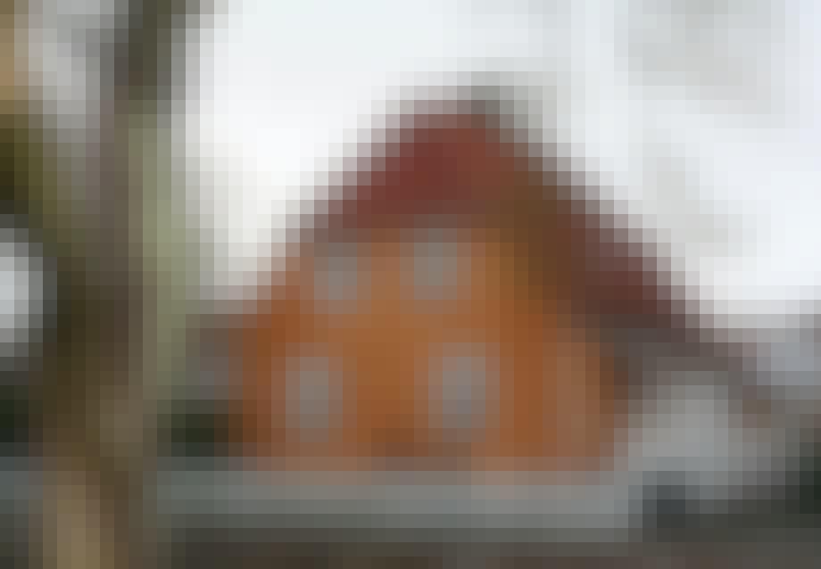 En okkerfarvet murermestervilla fra kvarteret Grøndalsvænge.