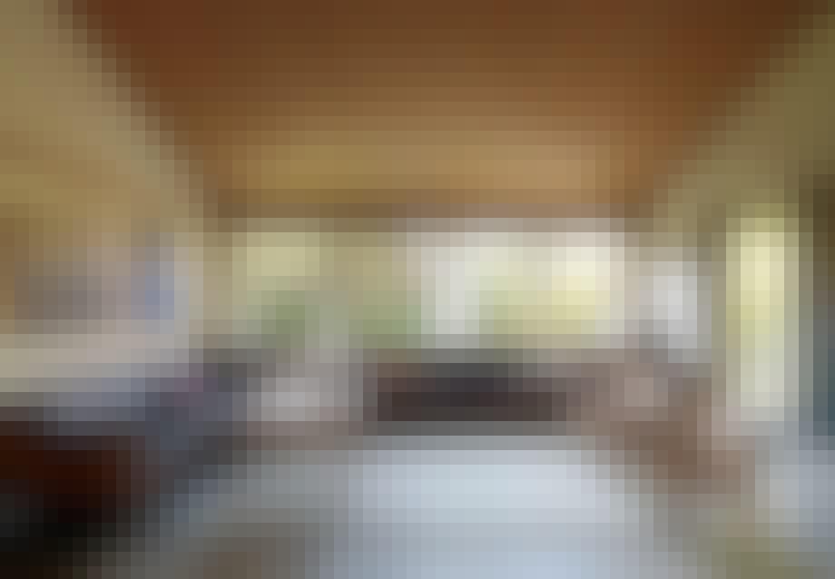 Børge Mogensens kupesofaer i møbeldesignerens egen villa i Gentofte. Om de skal til møbelpolstreren? Godt spørgsmål.