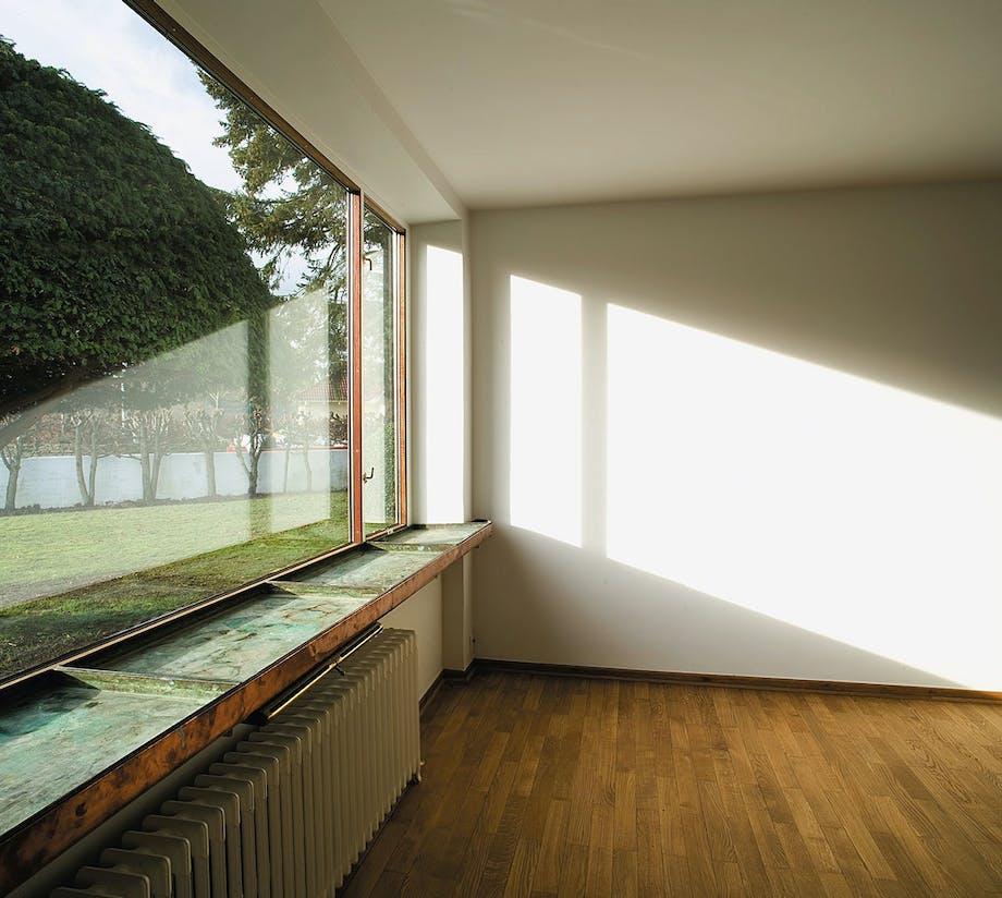 Rustbeskyttelse er ofte aktuel i gamle funkisvillaer, fordi vinduerne i de typisk dårligt isolerede huse, ofte var udført i jern.