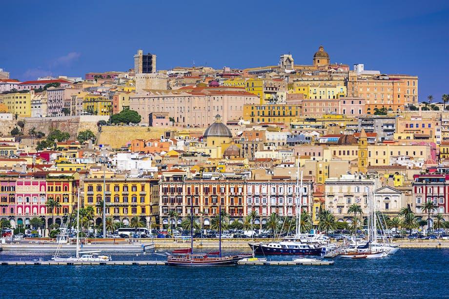 De farverige bygninger i Cagliari