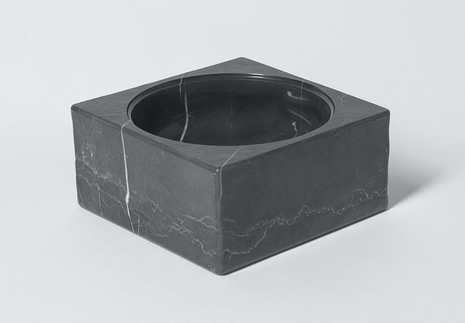 PK-Marble - Den nye marmorskål designet eller inspireret af Poul Kjærholm