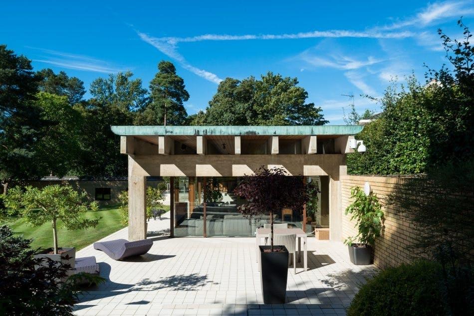 Husets udendørs terrasse