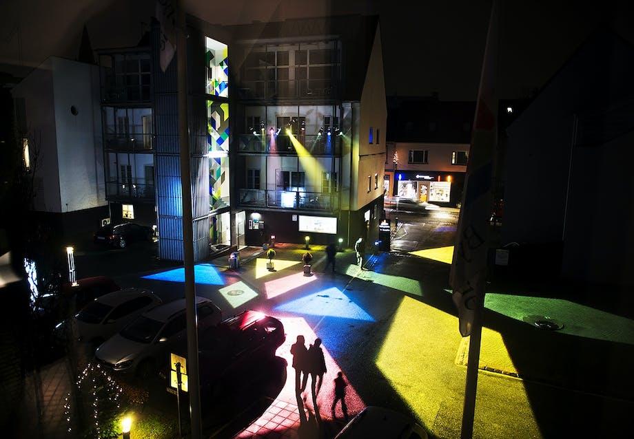 Kolding Light Festival smykker byen med farverigt lys