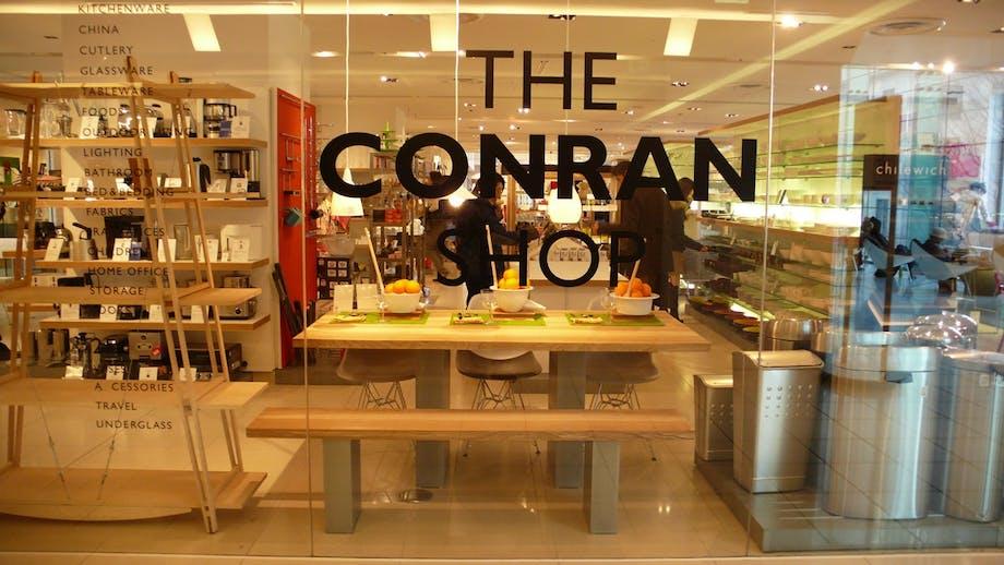 The Conran Shop i London med udsnit af deres møbler og boligtilbehør