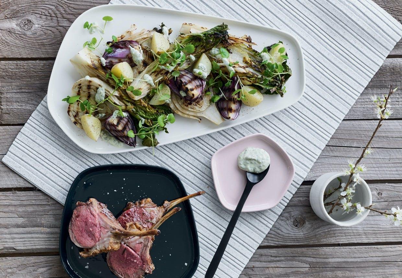 Lammekrone med nye kartofler og urtefløde