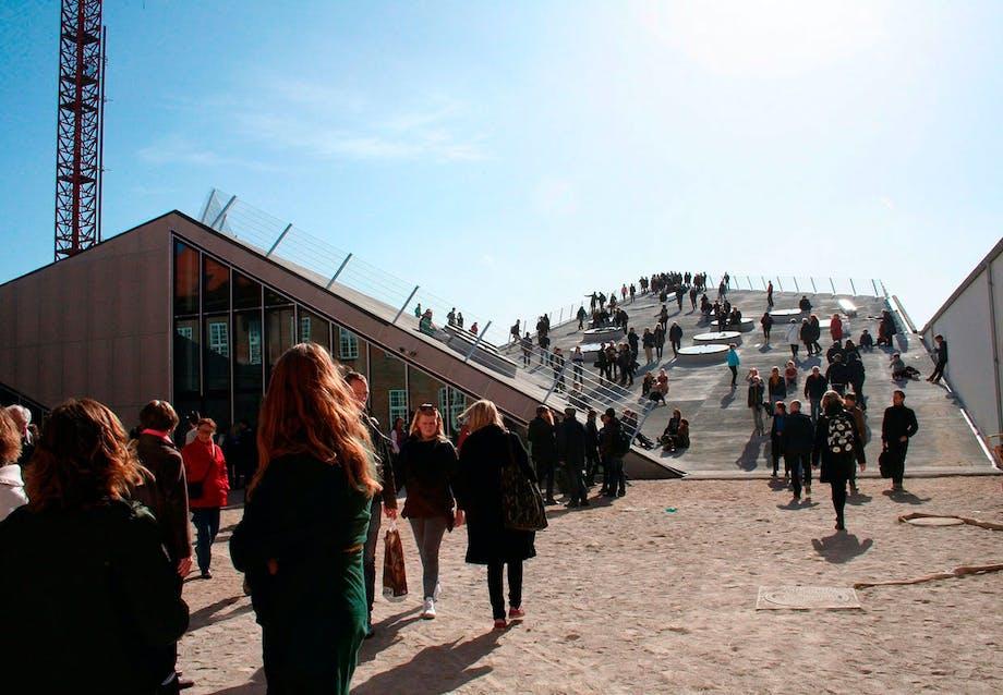 Godsbanen i Århus. Her er værksteder til keramik, træ, snedkeri mm.