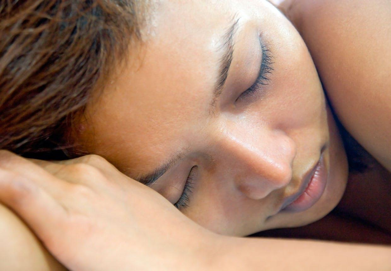 Kvinder behøver mere søvn end mænd, fordi de multitasker