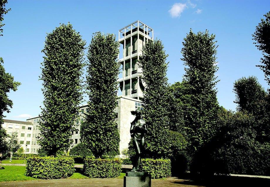 Århus Rådhus tegnet af Arne Jacobsen og Erik Møller