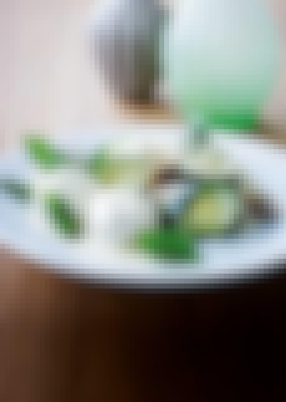 Kalvekødsboller i pebersauce og ris med figner