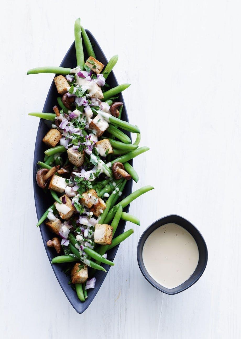 Vegetarisk bønne-tofu salat