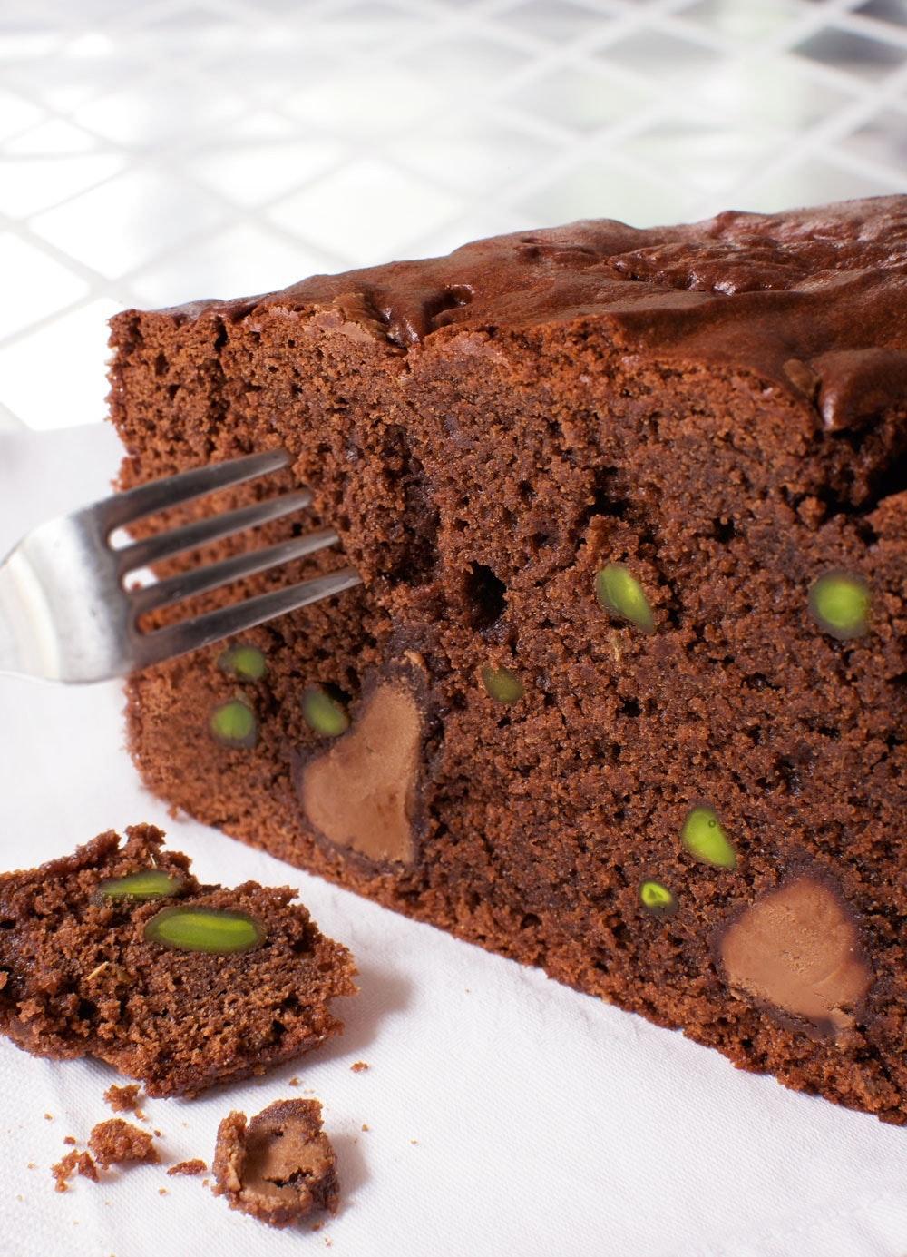 Chokoladekage med anisfrø og pistaciekerner